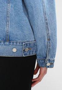 Missguided - OVERSIZED JACKET - Denim jacket - stonewash - 5