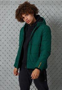 Superdry - Down jacket - pine/black - 1