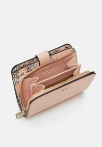 Furla - BABYLON COMPACT WALLET - Wallet - candy rose - 3