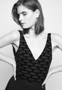 Elisabetta Franchi - Top - nero - 4