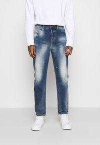 Diesel - D-VIDER - Relaxed fit jeans - medium blue - 0