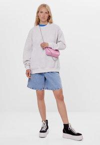 Bershka - Sweatshirts - light grey - 1