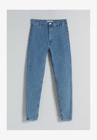 Bershka - SUPER HIGH WAIST - Jeans slim fit - blue denim - 4