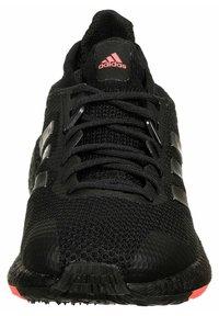 adidas Performance - PULSEBOOST - Zapatillas de running estables - core black / night metallic / signal pink - 5