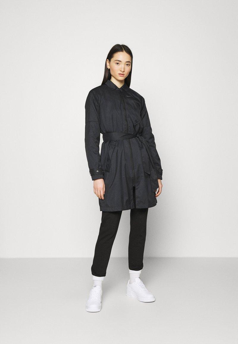 Nike Sportswear - Trenchcoat - black/iron grey