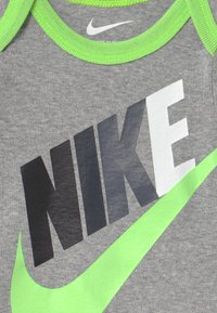 Nike Sportswear - FUTURA SET - T-shirt print - dark grey heather - 2