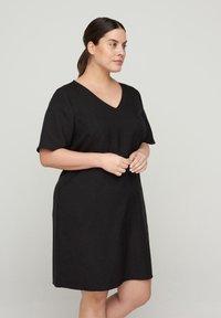 Zizzi - MIT V-AUSSCHNITT - Korte jurk - black - 0