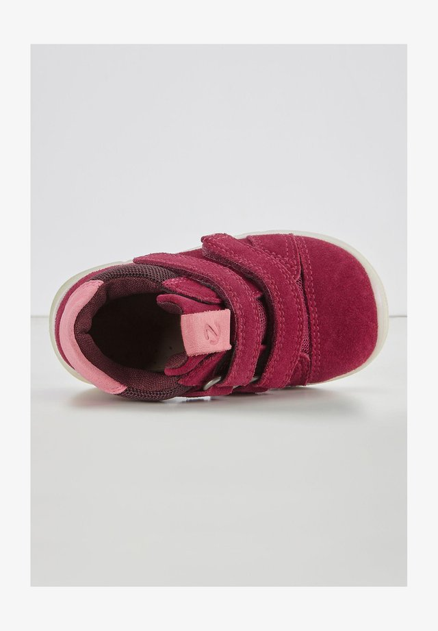 Baby shoes - red plum