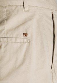Scotch & Soda - STUART CLASSIC - Shorts - sand - 5