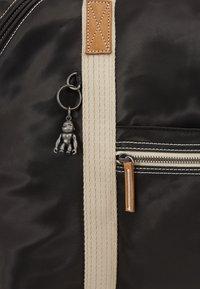 Kipling - ART M - Weekend bag - delicate black - 6