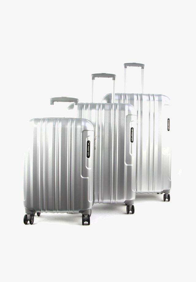 COSMOPOLITAN  - Luggage set - silver alu