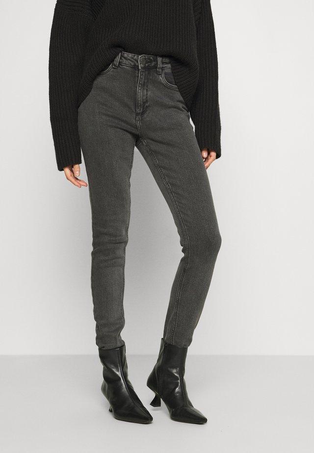 NMCALLIE - Jeans Skinny Fit - black