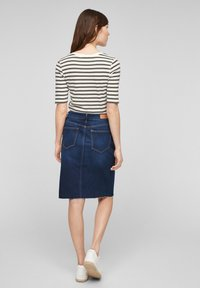 s.Oliver - Print T-shirt - khaki stripes - 2