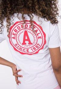 AÉROPOSTALE - Print T-shirt - white - 3