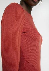 Zign - BASIC - Abito in maglia - red - 6