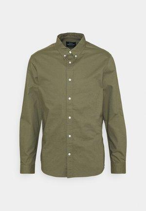 OXFORD SAWSETT - Shirt - army