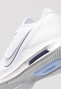 Nike Performance - COURT AIR MAX WILDCARD - Multicourt tennis shoes - white/metallic silver/pure platinum/aluminum - 5