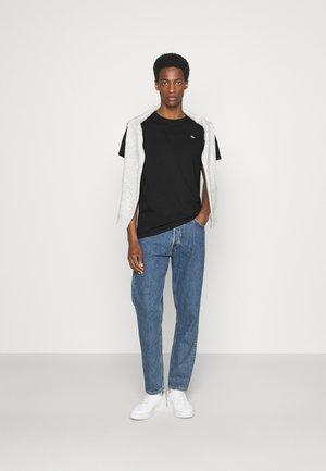 SPECIAL 3 PACK - Basic T-shirt - schwarz