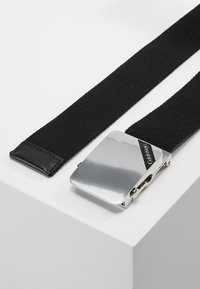 Calvin Klein - WEBBING PLAQUE BELT - Belt - black - 3