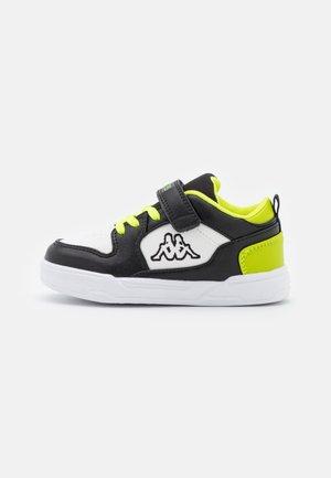 LINEUP LOW UNISEX - Chaussures d'entraînement et de fitness - black/lime