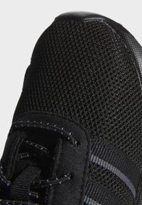 adidas Originals - LA TRAINER LITE SHOES - Scarpe primi passi - black - 5