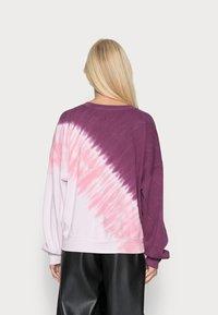 GAP - CREW  - Sweatshirt - burgundy tie dye - 2