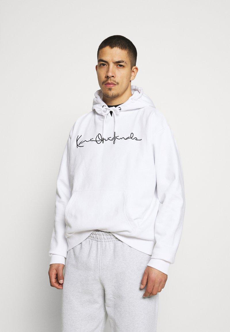 Karl Kani - ORIGINALS HOODIE UNISEX - Sweatshirt - white