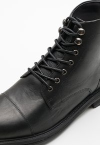Walk London - WOLF TOE CAP - Lace-up ankle boots - thunder black - 5
