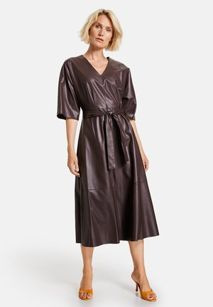 Day dress - dark chestnut