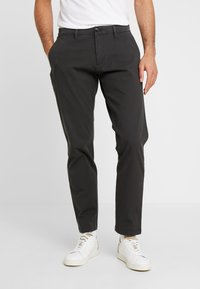 DOCKERS - SMART FLEX TAPERED - Trousers - steelhead - 0