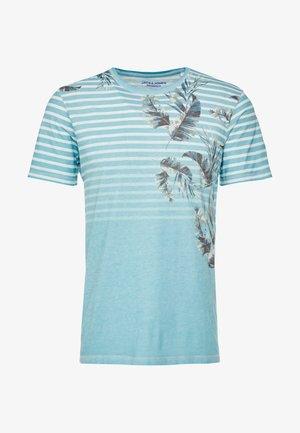 JORSTRIPE KALEX TEE CREW NECK - Print T-shirt - light blue