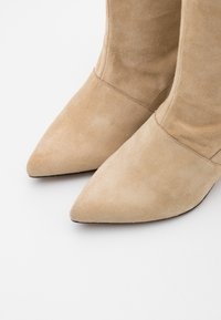 LAB - Boots - camel - 5