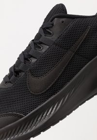 Nike Performance - RUNALLDAY 2 - Neutral running shoes - black/anthracite - 5