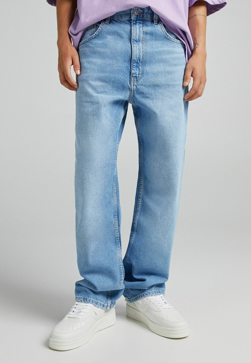 Bershka - TAPERED - Relaxed fit jeans - blue denim