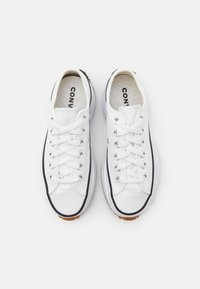 Converse - RUN STAR HIKE UNISEX - Trainers - white/black - 5