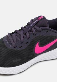 Nike Performance - REVOLUTION 5 - Scarpe running neutre - black/hyper pink/cave purple/lilac/white - 5