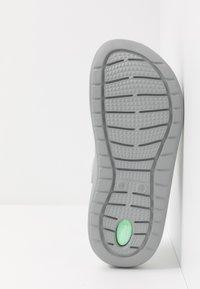 Crocs - LITERIDE PRINTED - Tresko - neo mint/light grey - 4