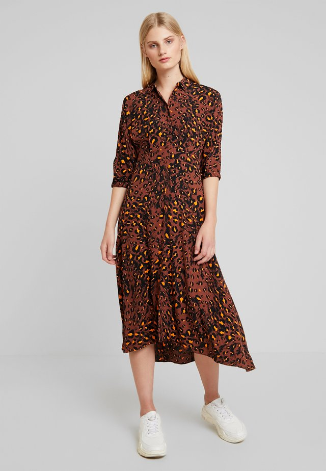 BRUSHEDLEOPARD SHIRTDRESS - Robe chemise - brown