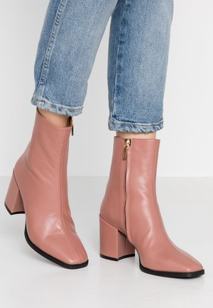 LIANA - Classic ankle boots - antik