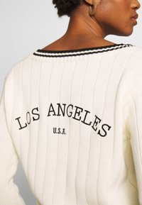 Honey Punch - LOS ANGELES PREPPY - Jumper - cream - 5