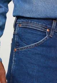 Wrangler - 11MWZ - Straight leg jeans - blue denim - 4
