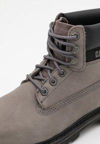Cat Footwear - COLORADO  - Šněrovací kotníkové boty - medium charcoal - 3