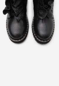 Liu Jo Jeans - Platåstøvletter - black - 5
