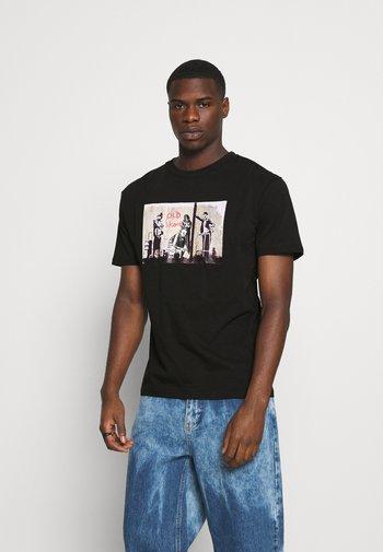 BANKSY  - Print T-shirt - black