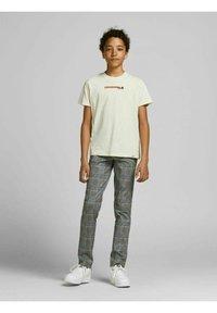 Jack & Jones Junior - MARCO PHIL - Trousers - beige - 0