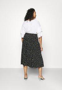 Forever New Curve - AINSLEY BUTTON THROUGH MIDI SKIRT - A-line skirt - black - 2