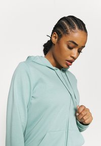 adidas Performance - veste en sweat zippée - haze green/white - 3