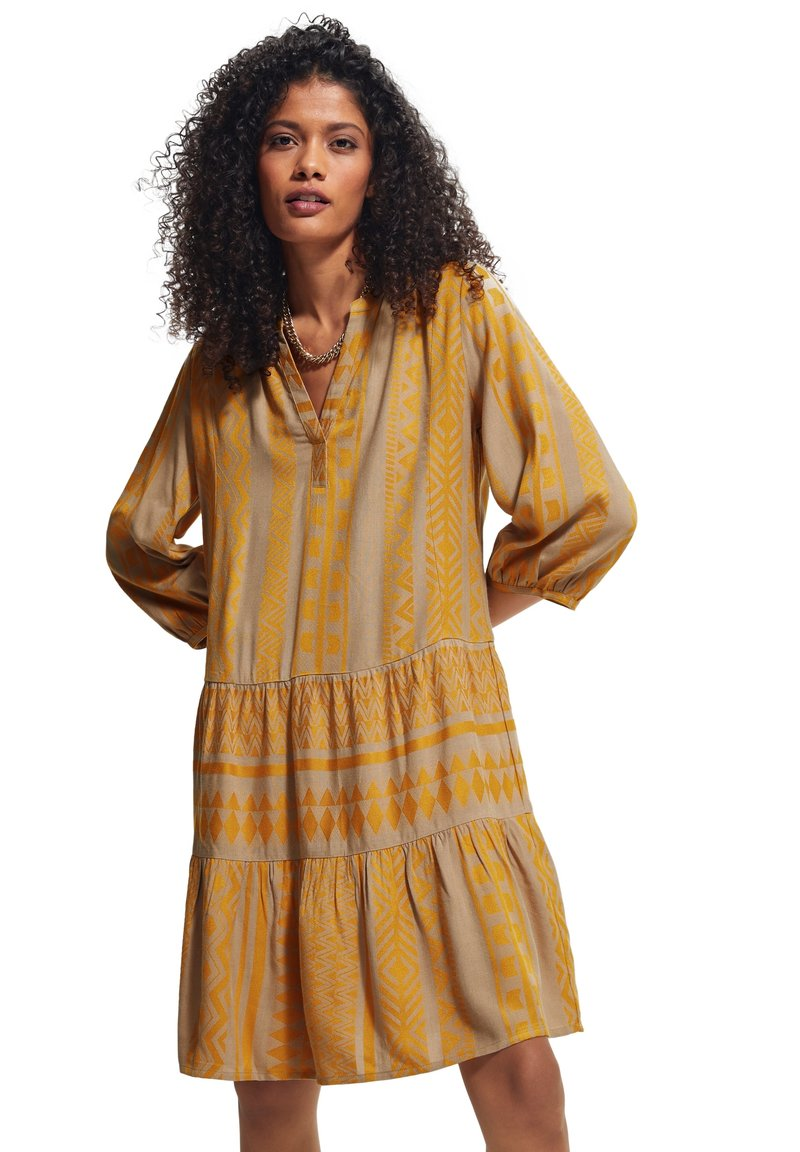comma casual identity - Day dress - sand embroidery