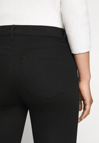 HUGO - CHARLIE CROPPED - Slim fit jeans - black - 3