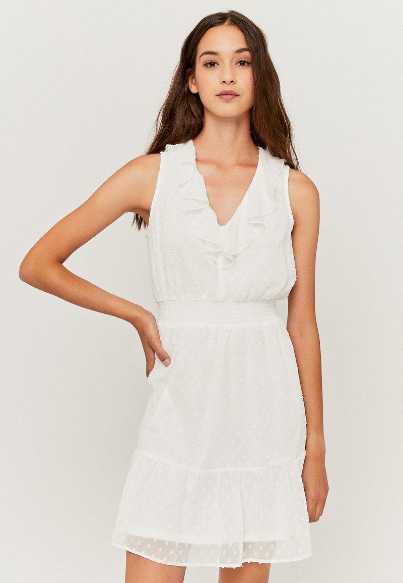 TALLY WEiJL - MIT RÜSCHEN - Korte jurk - white